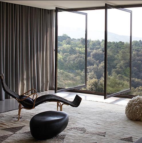 Einen fensterplatz bitte sweet home - Amazing floor to ceiling windows design ...