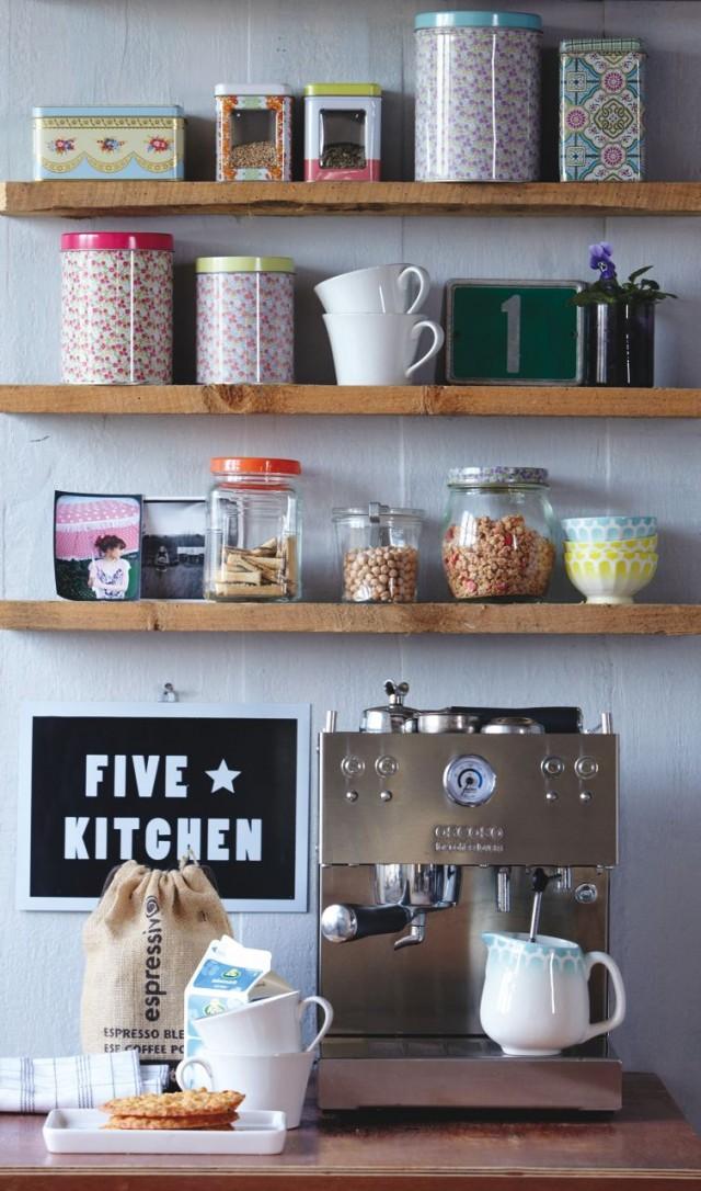 die liebe zieht ein sweet home. Black Bedroom Furniture Sets. Home Design Ideas