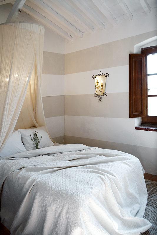 ein verlassener bauernhof in der maremma wird zum ferienparadies sweet home. Black Bedroom Furniture Sets. Home Design Ideas