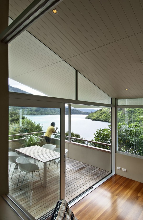 Apple-Bay-House-by-Parsonson-Architects-10