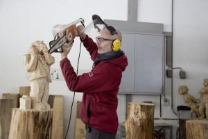 Marcel Bernet bei der Arbeit im Atelier.