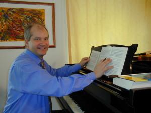 Gunhard Mattes ist dieser Tage mehr mit der Organisation als dem Studium der Partituren beschäftigt.