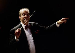 Gunhard Mattes, Dirigent und Gründer des «Orchesters für den Frieden».