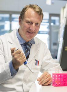 Andreas Pasch, Arzt und Unternehmer mit Calciscon. Foto: Franziska Rothenbühler