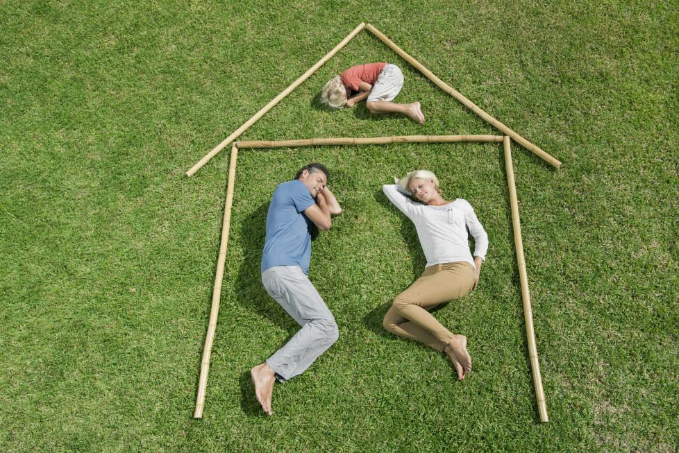 Hausbau: Es lohnt sich, Gebühren, Zinsen und Serviceleistungen zu vergleichen. Foto: Getty Images