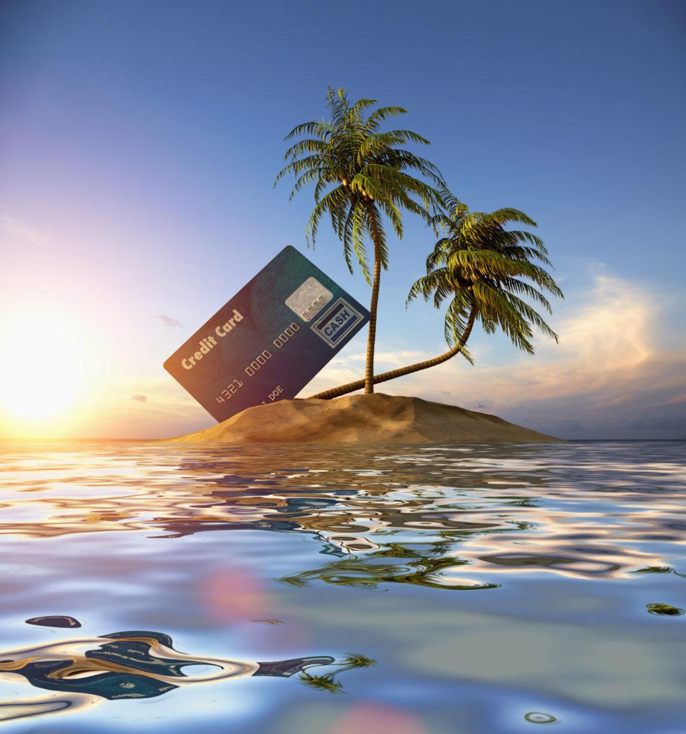 Damit der Ferientraum nicht baden geht: Kreditkarte nicht vergessen. Foto: Getty