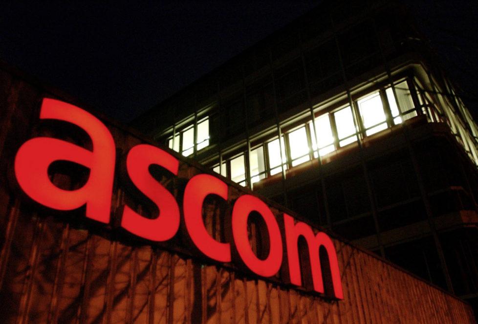 Zürich, Bildtext: THEMENBILD --- Das Ascom Logo, aufgenommen am 8. Dezember 2003 in Zuerich Stettbach. Der Berner Fernmeldekonzern Ascom schreibt wieder schwarze Zahlen. Nach drei Verlustjahren zeigte er am Mittwoch, 9. Maerz 2005, fuer letztes Jahr erstmals wieder einen Reingewinn von 47 Millionen Franken. Im Vorjahr musste noch ein Verlust von 68 Millionen Franken ausgewiesen werden. Fuer 2005 wurden anspruchsvolle Ziele gesetzt. (KEYSTONE/Steffen Schmidt)