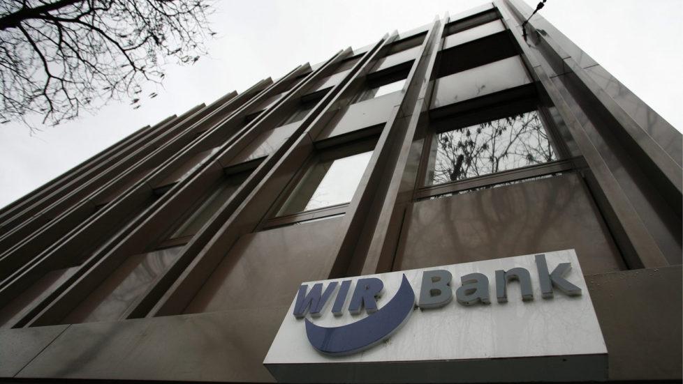 Verunsicherte Kunden wegen neuer Strategie: WIR-Bank in Basel. Foto: Georgios Kefalas/Keystone