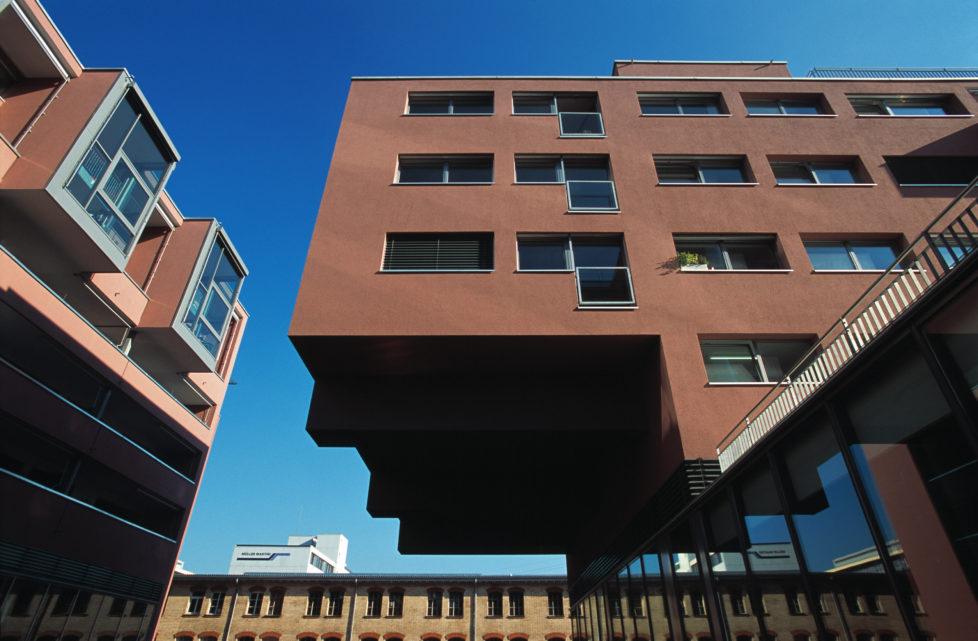 Der an der Börse gehandelte Immofonds fokusiert auf Wohnliegenschaften, was die Gefahr von grossen Preisschwankungen verkleinert. Foto: Keystone