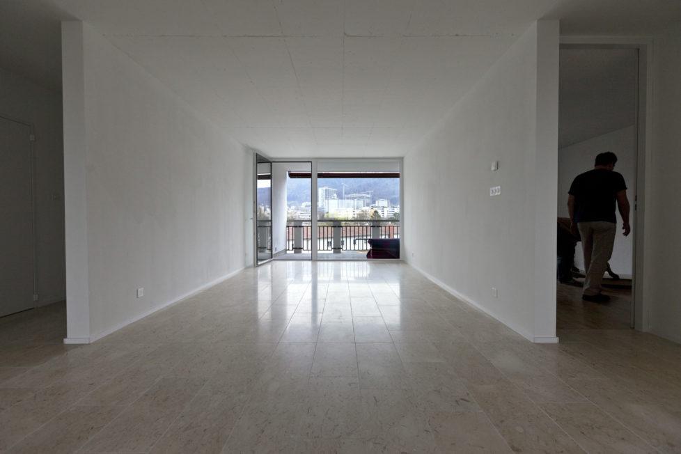 Wohnung geputzt und ohne gravierende Mängel übergeben: Zahlt der Vermieter die Mietkaution nicht umgehend zurück, stimmt was nicht. Foto: Gaetan Bally/Keystone