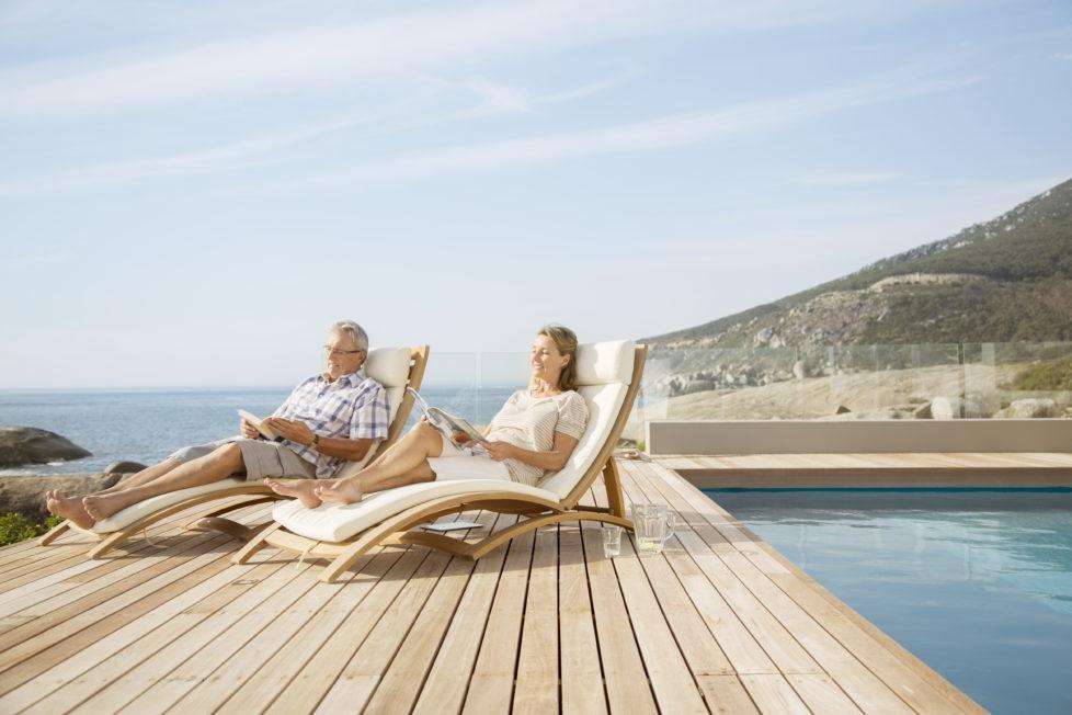 Steuern sparen inklusive! Bis zum fünf Jahre nach der Pensionierung kann man das Geld der 3. Säule beziehen. Foto: Getty Images