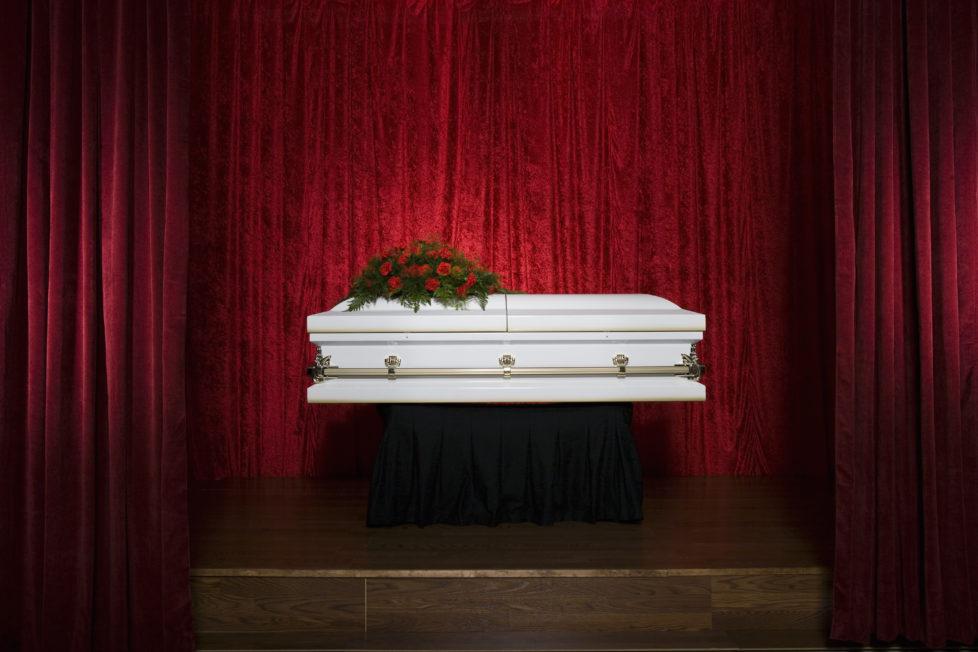 Schmerzlicher Verlust: Nach dem Tod des Partners müssen auch die finanziellen Fragen geklärt werden. Foto: Getty