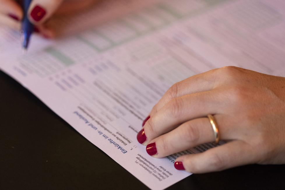 Steuererklärung: Verrechnungssteuer kann zurückgefordert werden. Foto: Key