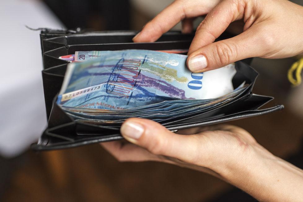Eine eiserne Reserve an flüssigen Mitteln ist nötig, um unerwarteten Ausgaben begegnen zu können. Foto: Christian Beutler/Keystone