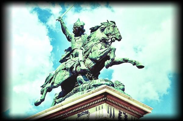 Statue-vercingetorix-jaude-clermont