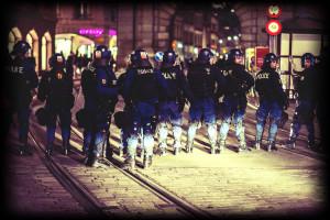 Antifaschistischer Abendspaziergang der RJG wurde durch massives Polizeiaufgebot verhindert ©Franziska Rothenbuehler