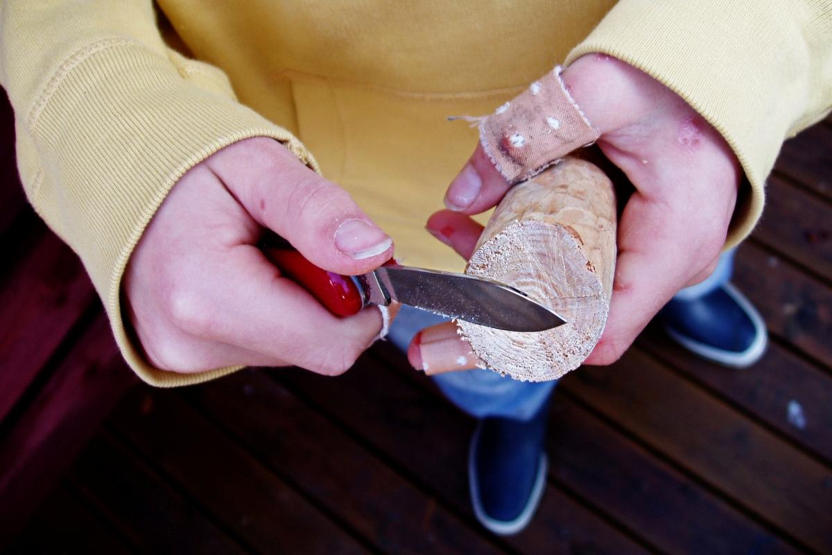 Das erste Sackmesser: «Nur acht Schnitte in einer Woche», schreibt der Fotograf dazu. Foto: Broterham (Flickr)