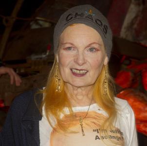 Mit Würde und Humor: Designerin Vivienne Westwood. (Keystone/Joel Ryan)