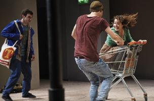 Sonderlinge oder Freunde? Aaron Hitz, Fabian Müller und Anna Blumer in «Shut up».