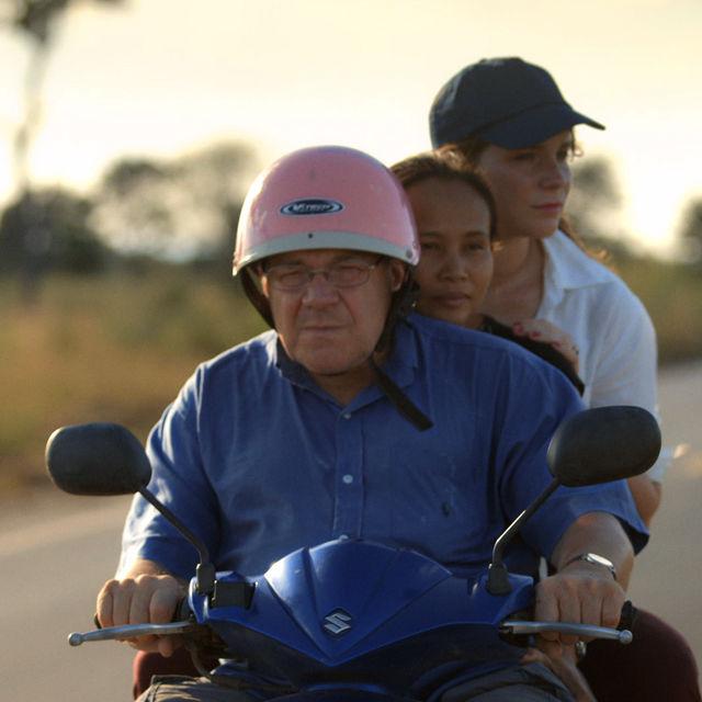 Liebe oder Deal? Doku-Film über einen Vater und seine Thai-Frau. (Bild: Screenshot «Happy»)