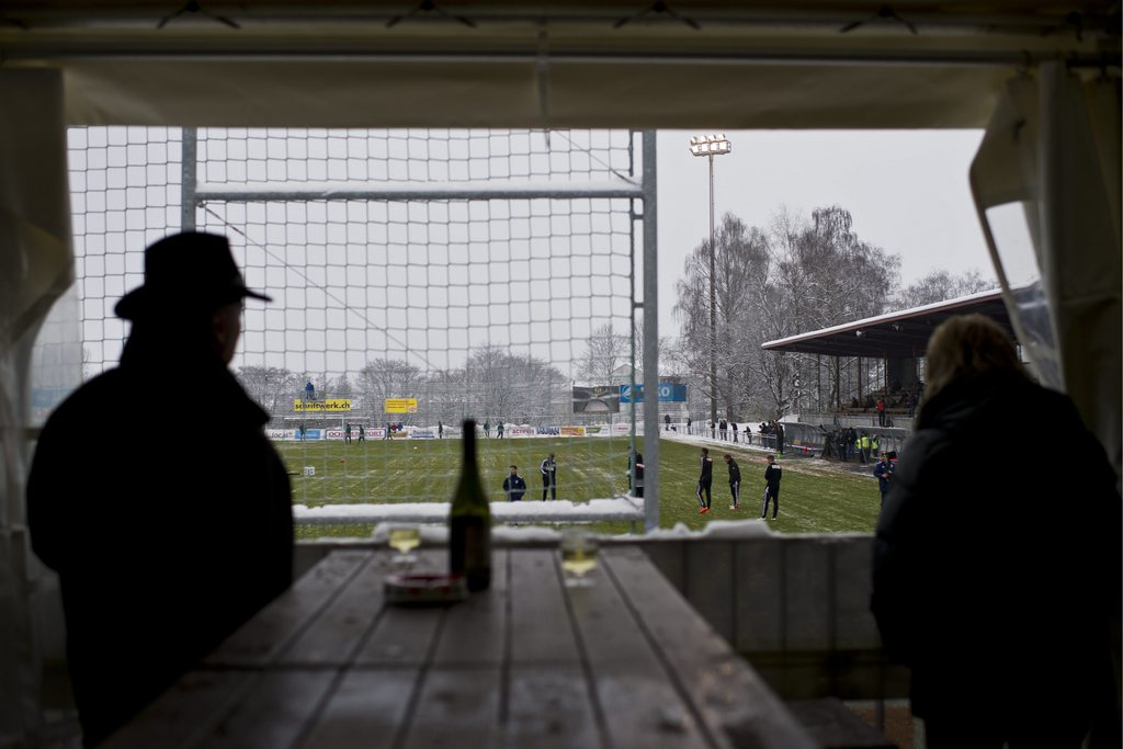 Hier gibt es die beste Stadionwurst der Schweit: Beim SC Brühl im Paul-Grüninger-Stadion in St. Gallen. Foto: Ennio Leanza (Keystone)