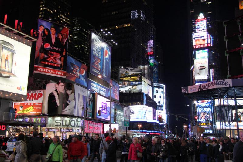 Offen für alles: Werbung aus aller Welt am Times Square in New York. Foto: Richard Allaway (Flickr)