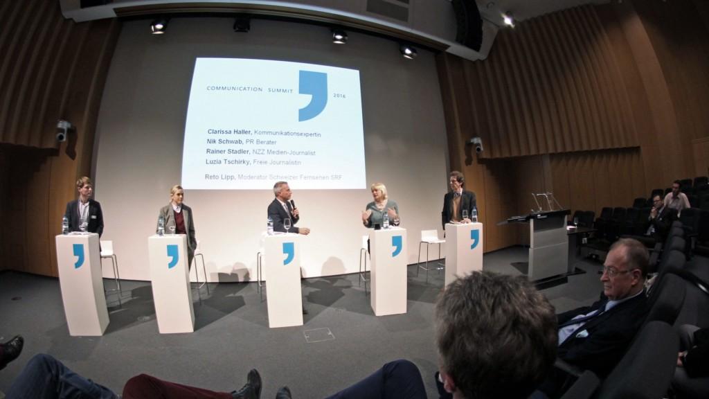 Am Thema vorbei diskutiert: Nik Schwab, Clarissa Haller, Reto Lipp, Luzia Tschirky, Rainer Stadler und Frank A. Meyer. (Medienbeobachtung Bluereport.net)
