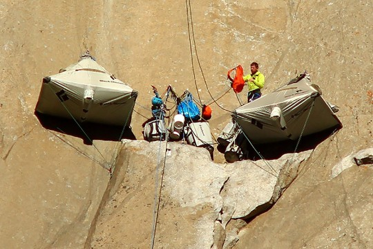 Weshalb benutzen die Seile, wenn es Freeclimbing ist? (Bild: AP Photo/Tom Evans, elcapreport)