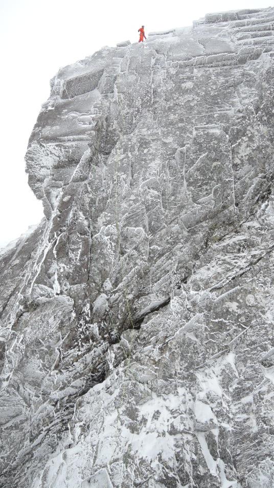 Geschafft! Am 5. März 2016 nimmt Dani Arnold nochmals einen Anlauf – und klettert «Anubis» sturzfrei.