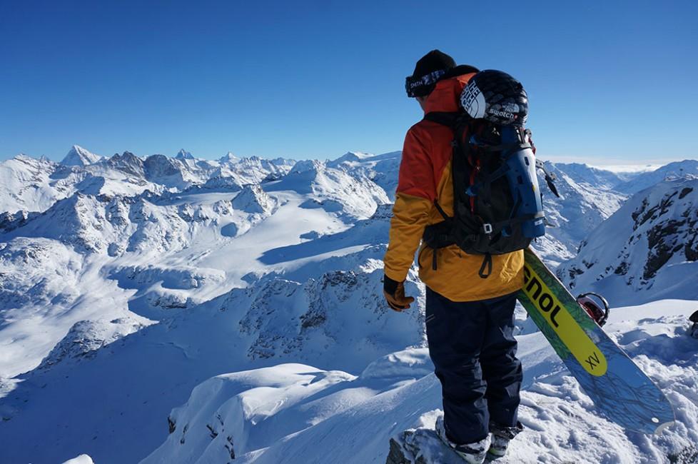 Das Xtreme Verbier startete einst als reiner Snowboardcontest, heute dominieren die Skifahrer: Xavier de le Rue ist der letzte grosse Snowboarder der Freeride World Tour. (Foto: Swatch)