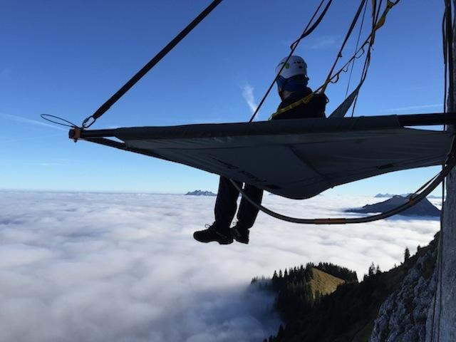 Schlafen im vertikalen Fels – Region Frutigen BE (Foto: Alpinschule-adelboden.ch)