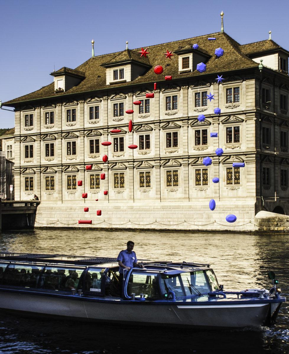 Möglichkeit für Deep Water Soloing in der Stadt Zürich, hier am Rathaus: Die Kletterrouten heissen Zwei Routen «Slippery when wet». Aber Achtung: Gemäss helvetischer Binnenschifffahrtsverordnung hat das Limmatschiff immer Vortritt.