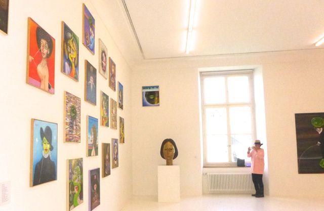 Noch ein Blick in den schönen Sadkowsky-Saal (Elfie Wollenberger macht Notizen)