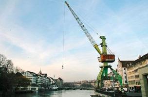 Kunst macht Gesetze: Es gibt jetzt ein Hafenkranverbot.