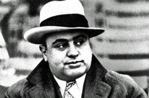 Nein, das ist nicht Sepp Blatter, das ist der Fifa-Schutzheilige Al Capone.