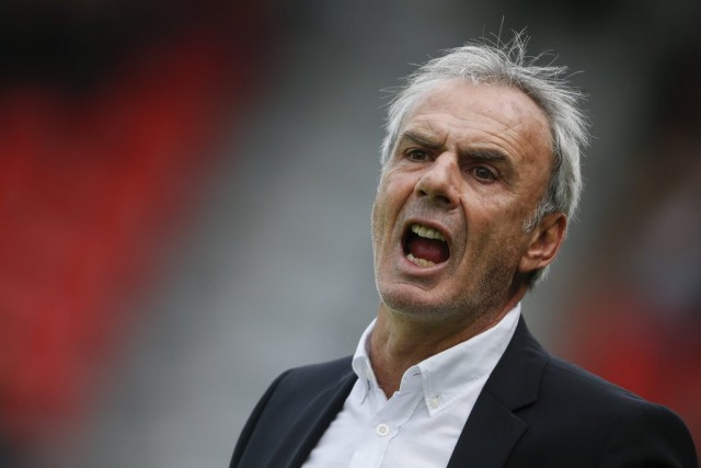 Sogar der Trainer des FC Sion ist noch im Amt: Michel Decastel, 25. August.