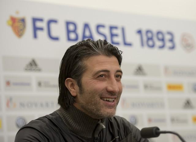 Murat Yakin an einer Pressekonferenz, 4. Januar 2014.