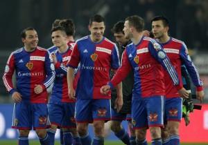 Die Spieler des FC Basel nach einem Spiel gegen YB, 8. Februar 2014. (Keystone/Patrick Straub)