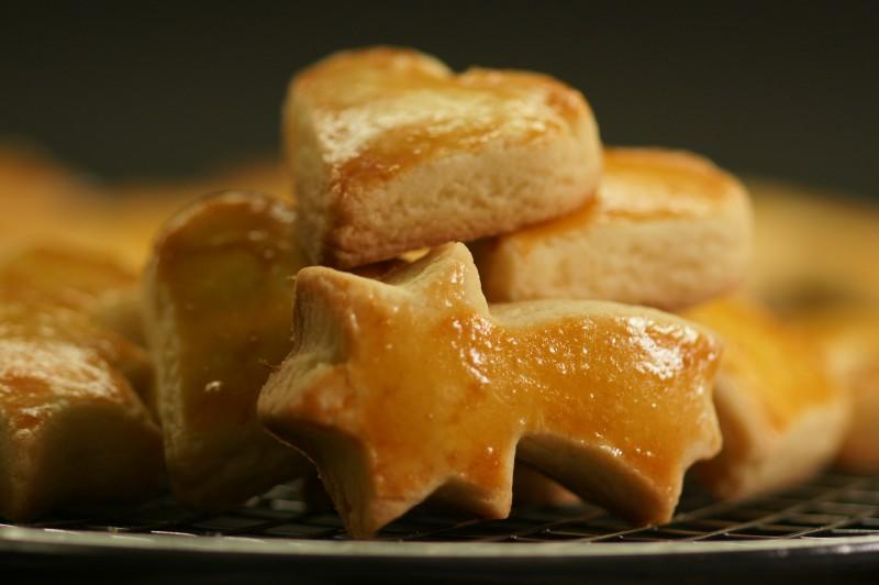Das klassischste aller Weihnachtsguetsli ist das Mailänderli. Ein einfaches Butterguetsli, das die schönsten Formen annehmen kann.