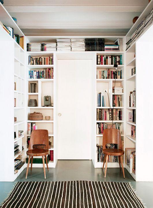 Zugegeben, Das Ist Keine Schnellschnellidee, Dafür Aber Genial: In Einem  Kleinen Raum Lässt Sich Mit Geschickt Konzipierten Regalen Sehr Viel Platz  Für ...