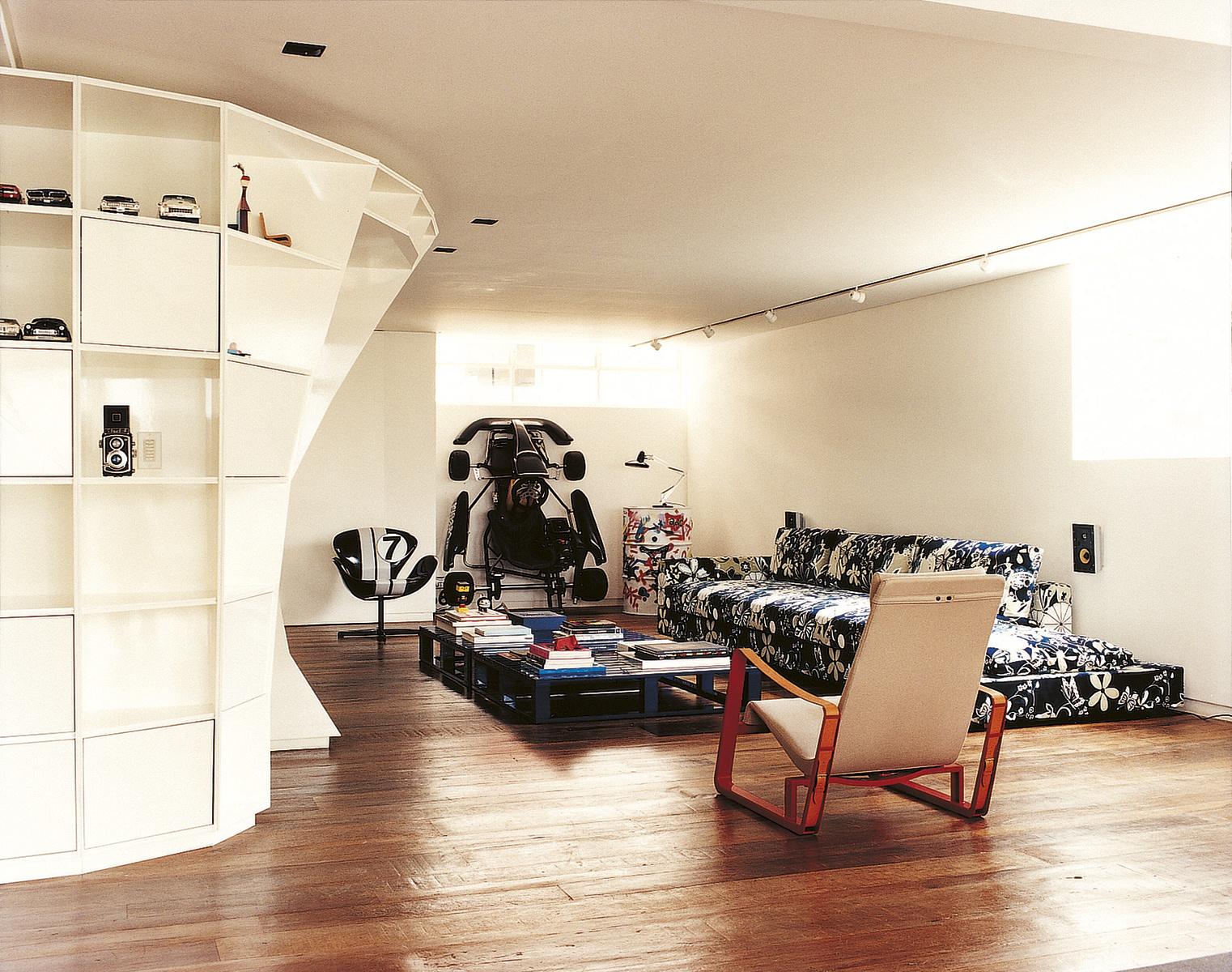 loft interieur mit schlichtem design bilder, cooler loft für männer | sweet home, Design ideen