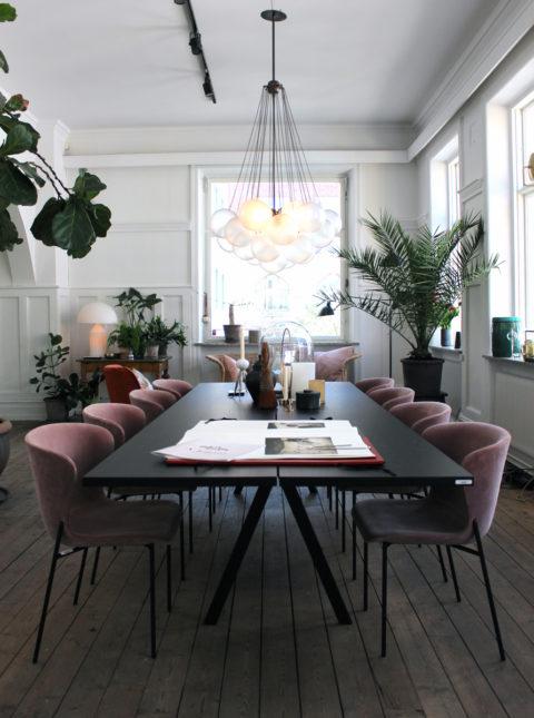 Wenn Sie Gerne Nach Dem Essen Noch Ein Wenig Sitzen Bleiben Möchten, Dann  Wählen Sie Gepolsterte, Bequeme Stühle. (Bild über: A Paper Aeroplane)