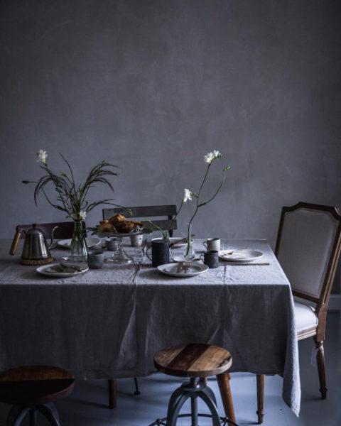 Pioniere Haben Schon Vor Langer Zeit Möbel Wie Stühle An Die Wand Gehängt.  Sie Wussten Eben, Wie Man Mit Wenig Platz Am Besten Umgeht.