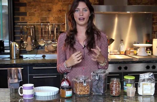 Ella Woodward war eine «Sugarholic», jetzt zeigt sie, wie man sich gesund ernährt.