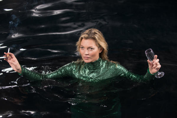 """In this image released by Fox Searchlight Pictures, Kate Moss appears in a scene from the film, """"Absolutley Fabulous: The Movie."""" (David Appleby/Fox Searchlight Pictures via AP)"""