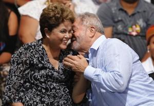 So schlecht geht es ihr offensichtlich nicht: Rousseff vier Tage später mit Vorgänger Lula da Silva. Foto: Reuters