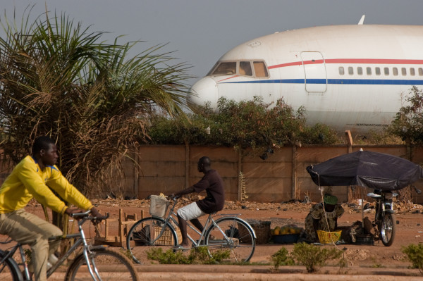 Plane_in_Ouagadougou