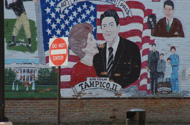 Der ganze Stolz der Nachbarn: Wandgemälde gegenüber Ronald Reagans Geburtshaus in Tampico, Illinois.