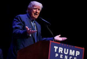 Würden Sie diesem Mann Geheimnisse anvertrauen? Donald Trump im Wahlkampf. Foto: AP
