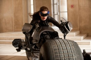 Selina alias Catwoman (Anne Hathaway)